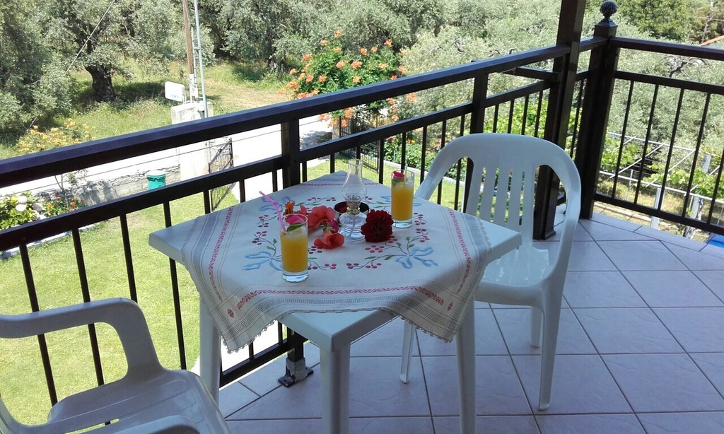 yanna pension kinira thassos 4 bed apartment 6