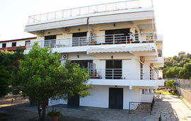 salonikiou beach deluxe apartments salonikiou sithonia 1