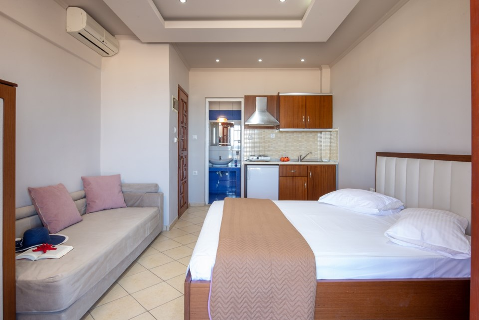 stavros rooms and apartments sarti sithonia 4 bed studio sea view 9