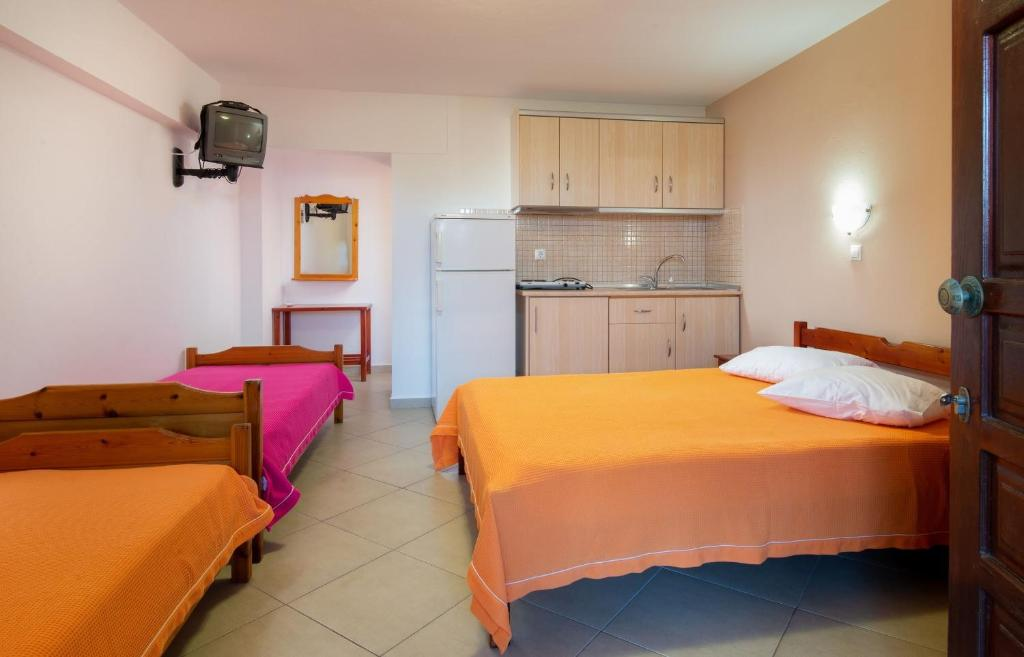 stavros rooms and apartments sarti sithonia 4 bed studio semi based 3