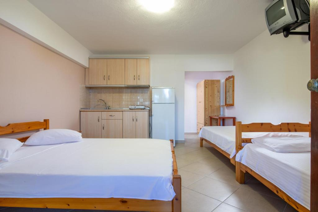 stavros rooms and apartments sarti sithonia 4 bed studio semi based 5