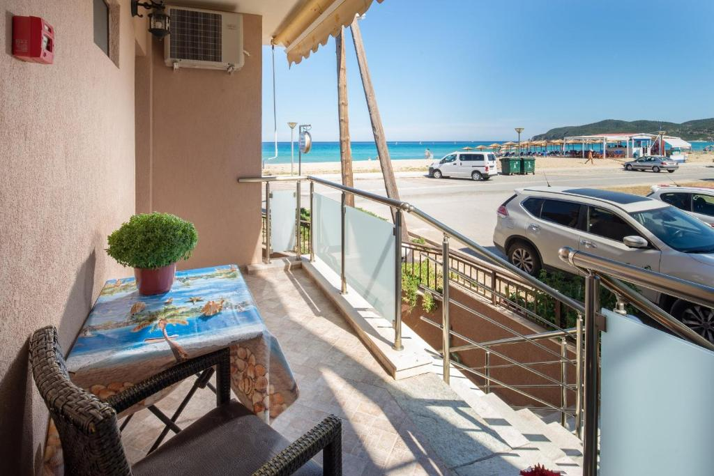 stavros rooms and apartments sarti sithonia 4 bed studio side sea view
