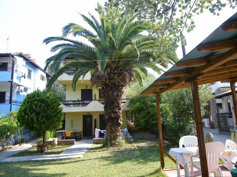 lazaros apartments and studios vourvourou sithonia 2