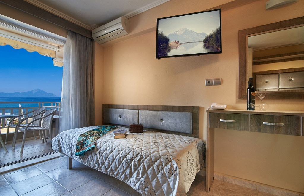 agni hotel on the beach sarti sithonia 4 bed studio 3