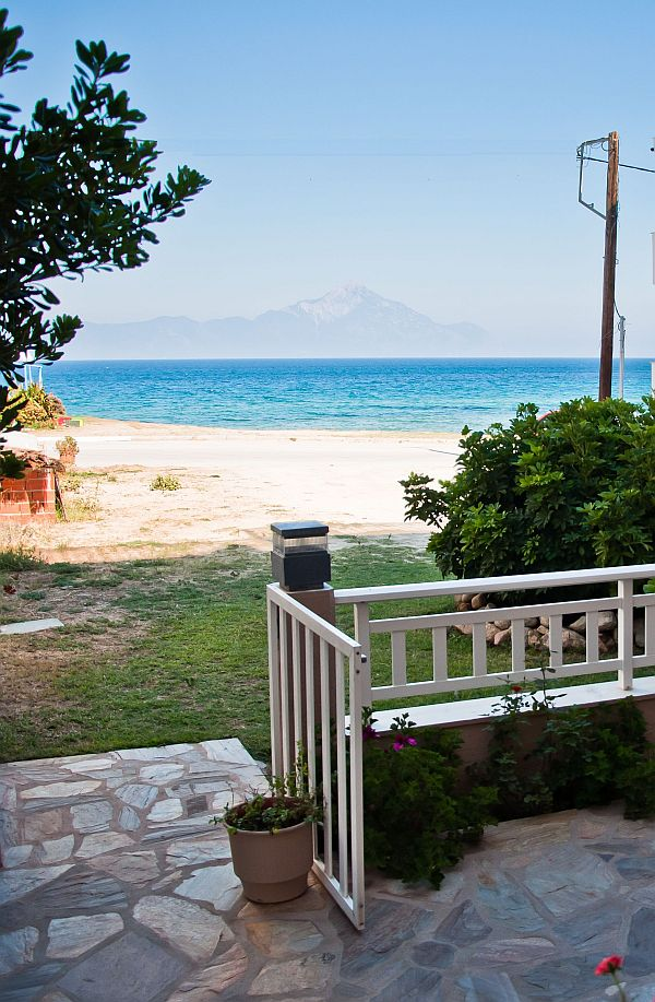 agni hotel on the beach sarti sithonia1