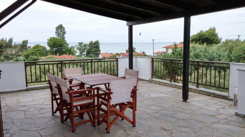 Savvas house elia beach sithonia accommodation for Beach house description