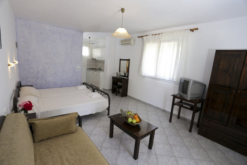 mythos bungalows 3 bed stds potos thassos  (6)