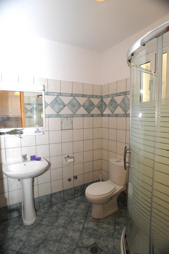 mythos bungalows 3 bed stds potos thassos  (7)