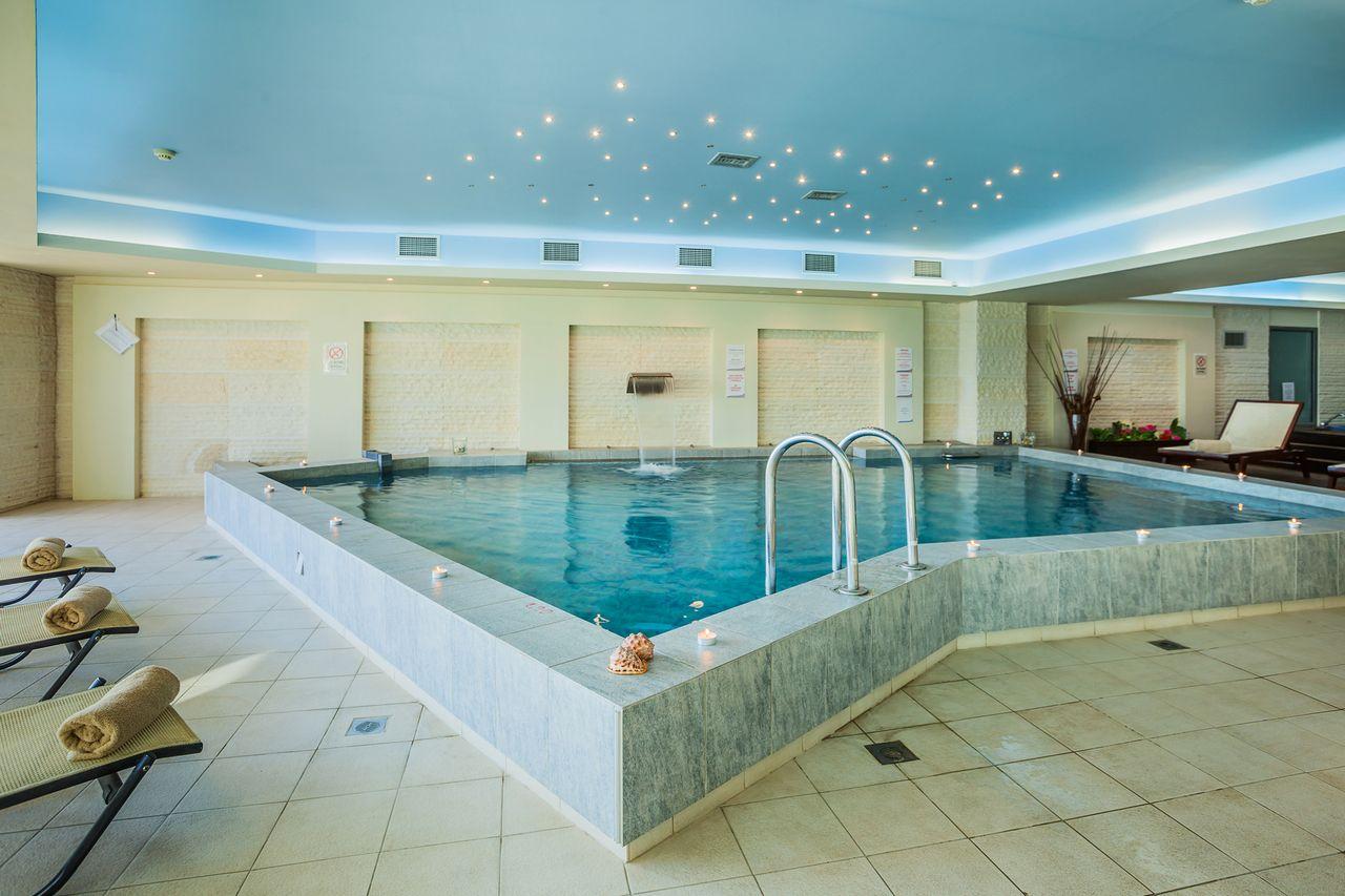 Anastasia resort spa nea skioni kassandra for Hotel spa 13