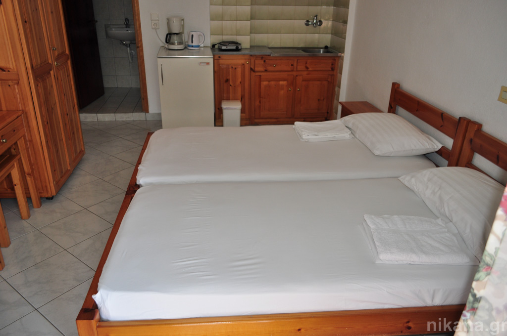 anna rooms potos thassos 2 bed std 1st floor entrance from balcony  (3)