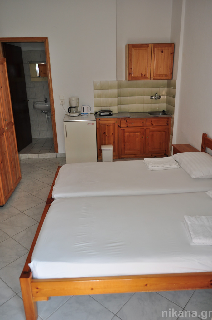 anna rooms potos thassos 2 bed std 1st floor entrance from balcony  (4)
