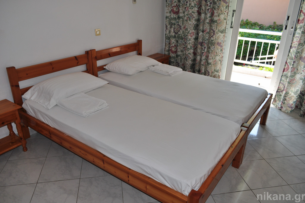 anna rooms potos thassos 2 bed std 1st floor entrance from balcony  (5)