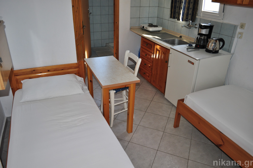 anna rooms potos thassos 4 bed apt 1st floor #9  (7)