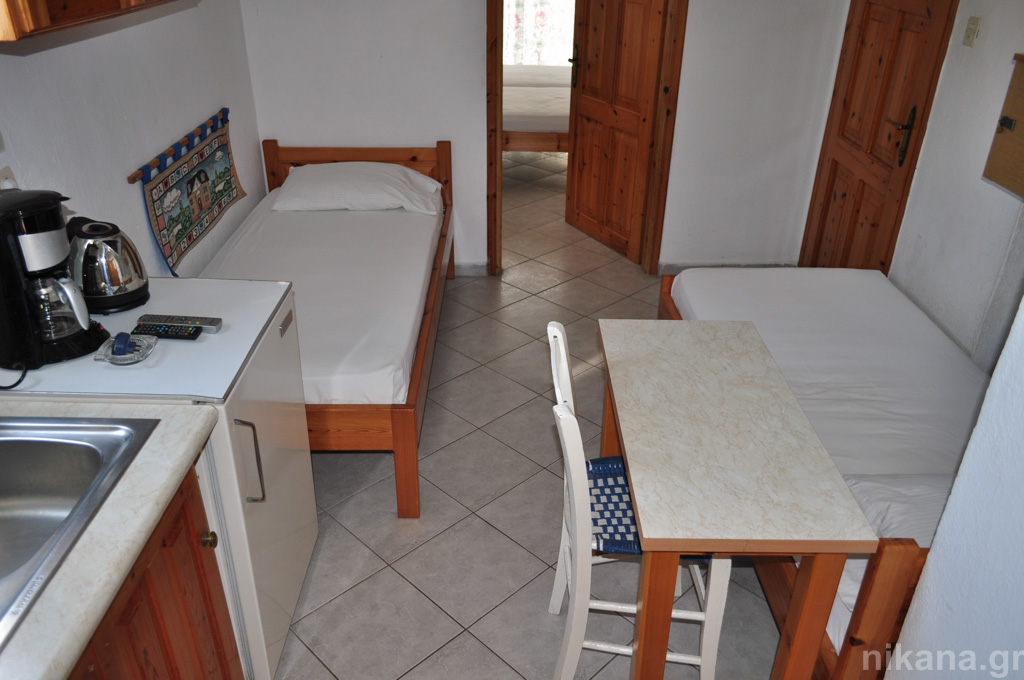 anna rooms potos thassos 4 bed apt 1st floor #9  (9)