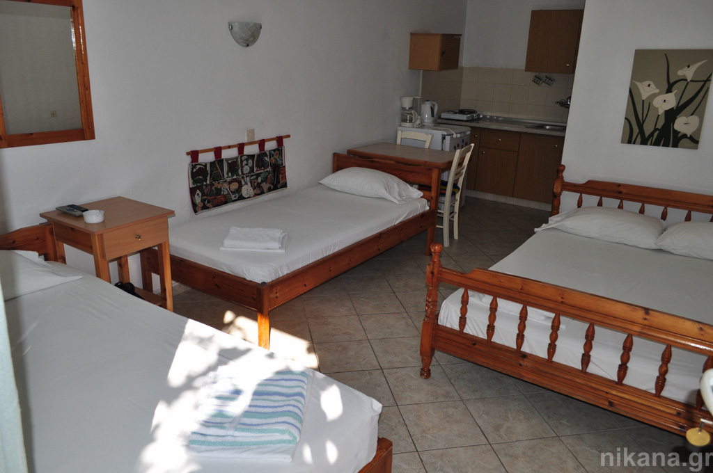 anna rooms potos thassos 4 bed std high ground floor #3  (2)